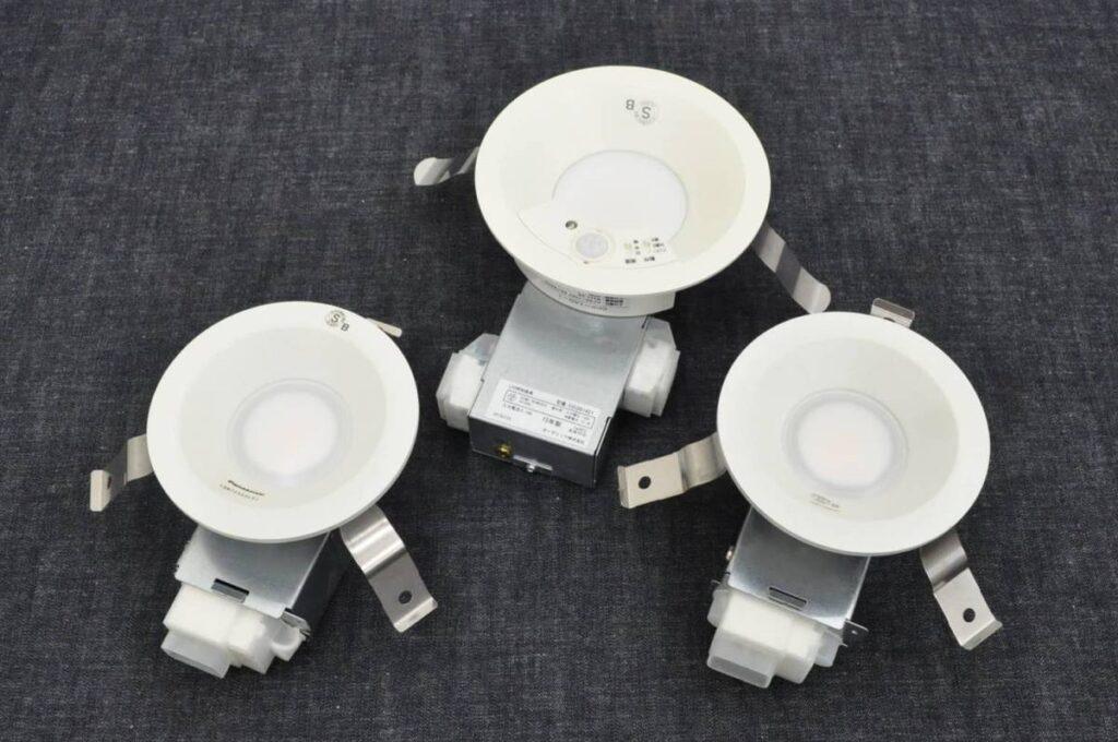 未使用 オーデリック LEDセンサーダウンライト OD261421 1個 パナソニック LEDダウンライト LGW72303LE-RYQ 2個 (2019年7月買取)